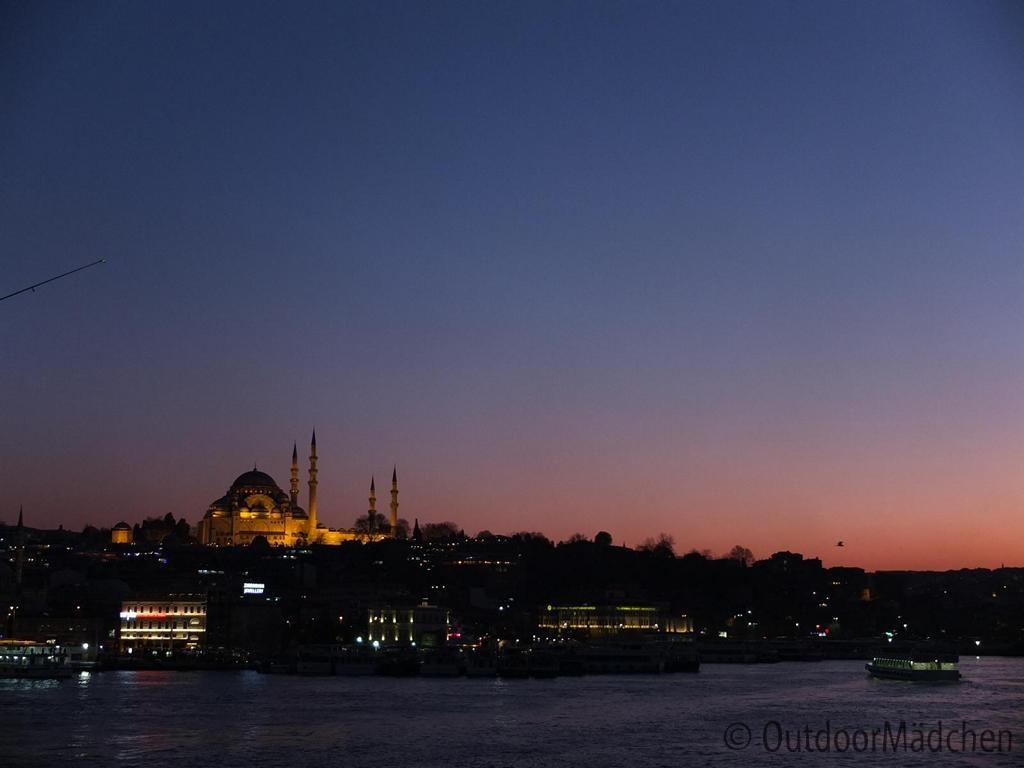 der duft von 1001 nacht im rausch von istanbul f r 48 stunden outdoorm dchen. Black Bedroom Furniture Sets. Home Design Ideas