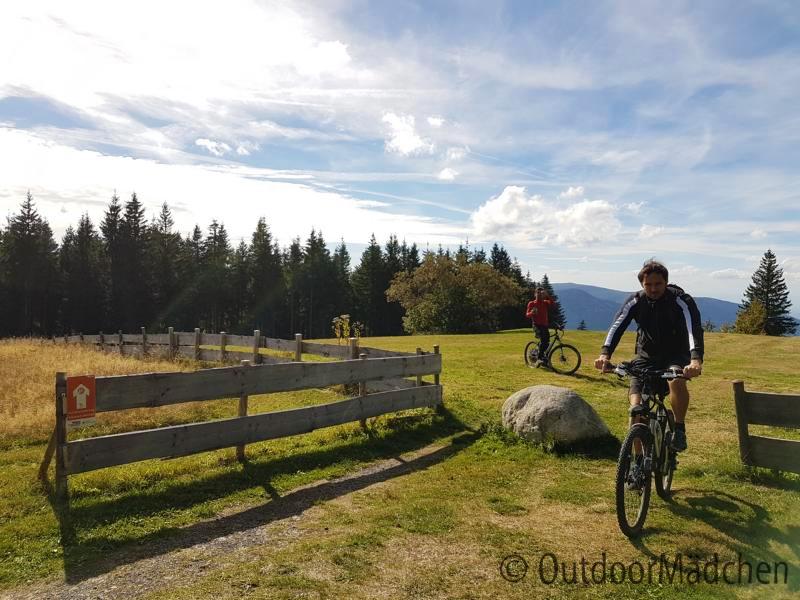 E-MTB-und-Wanderung-Blindensee-Schwarzwald-outdoormaedchen (20)