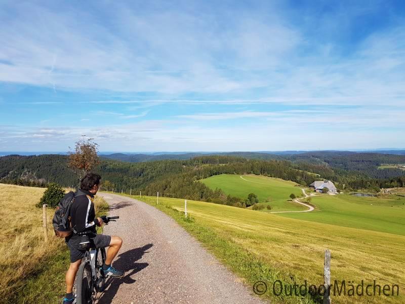 E-MTB-und-Wanderung-Blindensee-Schwarzwald-outdoormaedchen (22)