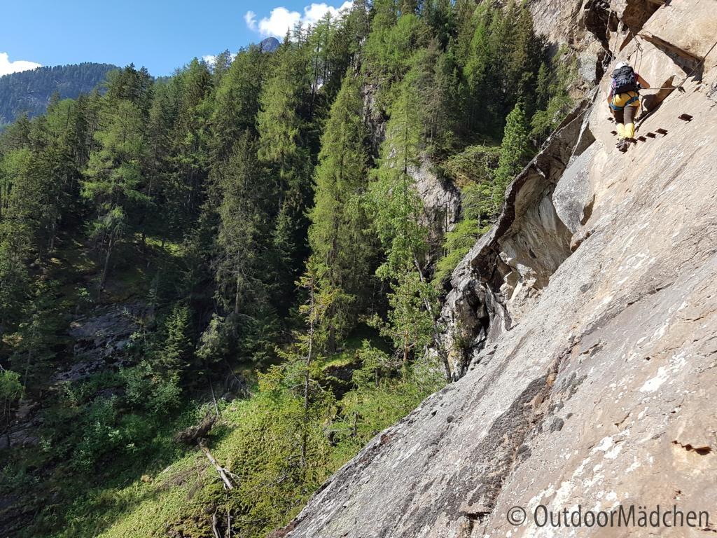 Klettersteig Lehner Wasserfall : Bergfrühling auf dem klettersteig lehner wasserfall outdoormädchen